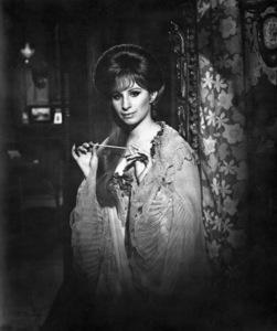 """""""Hello Dolly""""Barbra Streisand1969 20th Century Fox**I.V. - Image 3483_0042"""