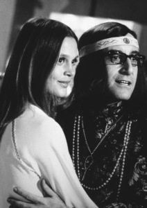 """""""I Love You, Alice B. Tolkas""""Leigh Taylor Young, Peter Sellers1968 Warner Photo by: Mel Traxel - Image 3495_0117"""