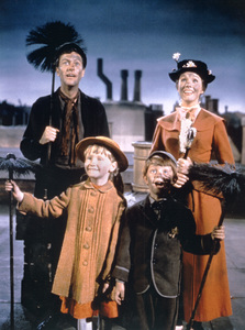 """Mary Poppins""Dick Van Dyke, Julie Andrews, Matthew Garber, Karen Dotrice164 Disney - Image 3581_0016"