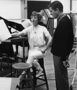 """Mary Poppins"" Julie Andrews, Dick Van Dyke1964 Disney **I.V. - Image 3581_0020"