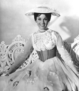 """""""Mary Poppins""""Julie Andrews1964 Walt Disney Pictures**I.V. - Image 3581_0024"""