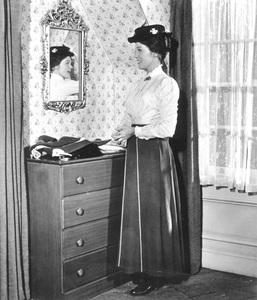 """Mary Poppins""Julie Andrews1964 Disney - Image 3581_0034"