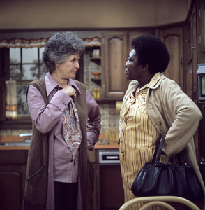 """Maude"" Bea Arthur, Esther Rolle circa 1973 ** H.L. - Image 3584_0015"