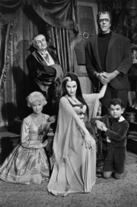 """The Munsters""Beverley Owen, Al Lewis, Yvonne De Carlo, Fred Gwynne, Butch Patrick1964© 1978 Bob Willoughby - Image 3600_0129"