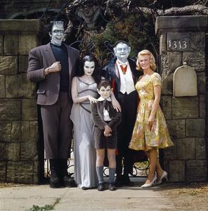"""The Munsters""Fred Gwynne, Yvonne De Carlo, Butch Patrick, Al Lewis, Pat Priestcirca 1965** I.V. - Image 3600_0236"