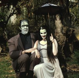 """""""The Munsters""""Fred Gwynne, Yvonne De Carlocirca 1965** I.V. - Image 3600_0238"""