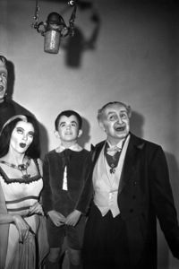 """The Munsters""Fred Gwynne, Yvonne De Carlo, Butch Patrick, Al Lewiscirca 1965** Part of the Kevin Burns Collection - Image 3600_0258"