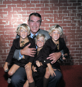 """My Three Sons""Fred MacMurray, Joseph Todd, Daniel Todd,  Michael Toddcirca 1970**H.L. - Image 3606_0053"