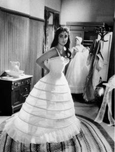 """""""Raintree County""""Elizabeth Taylor in wardrobe1957 © 1978 Bob Willoughby - Image 3678_0052"""