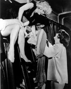 """Some Like It Hot""Marilyn Monroe, Tony Curtis © 1959 UA / **R.C. - Image 3733_0025"