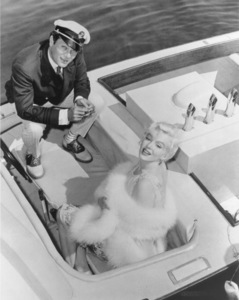 """Some Like It Hot""Tony Curtis, Marilyn Monroe © 1959 UA / **R.C. - Image 3733_0033"