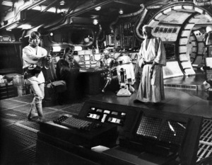 """""""Star Wars"""" Mark Hamill, Peter Mayhew, Anthony Daniels and Alec Guinness1977 Lucasfilm© 1978 John Jay - Image 3748_0187"""