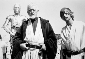 """Star Wars""Anthony Daniels, Alec Guinness, Mark Hamill1977 LucasfilmPhoto by John Jay - Image 3748_0190"