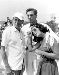 """Suddenly Last Summer""Elizabeth Taylor, Cameraman Jack Hildyard,Sebastian (Actor)1959 Columbia / **I.V. - Image 3756_0022"