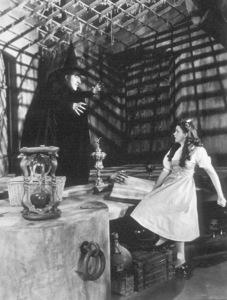 Margaret Hamilton, Judy GarlandFilm SetWizard Of Oz, The (1939)0032138MGM - Image 3823_0003