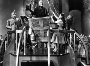 Jack Haley, Ray Bolger, Frank Morgan, Judy Garland, Bert Lahr.  Film SetWizard Of Oz, The (1939)0032138MGM - Image 3823_0021