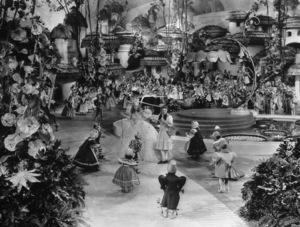 """The Wizard of Oz""Billie Burke, Judy Garland1939 MGM - Image 3823_0023"