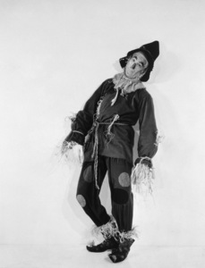 """The Wizard of Oz""Ray Bolger1939 MGM - Image 3823_0042"