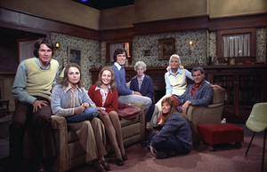 """""""Young and the Restless, The""""Trish Stewart, Janice Lynde, William Grey Espy, Tom Hallick, Elizabeth Foster, Dorothy Green, Robert ColbertC. 1973 **H.L. - Image 3834_0014"""