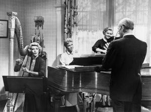 """Dorothy Malone, Doris Day and Elisabeth Fraser in """"Young At Heart""""1954 Warner Bros.** I.V. - Image 3835_0003"""