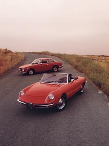 Cars1966 Alfa Romeo 1600 Duetto, & 1974 Alfa Romeo 2000 GTV © 1997 Ron Avery - Image 3846_0153