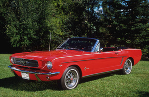 Car Category1965 Ford Mustang Sports ConvertibleOwner Del & Elaine Bullen © 1992 Glenn EmbreeMPTV - Image 3846_0428