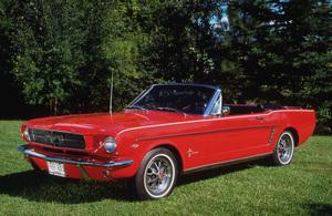 Car Category1965 Ford Mustang Sports ConvertibleOwner Del & Elaine Bullen © 1992 Glenn EmbreeMPTV - Image 3846_0428