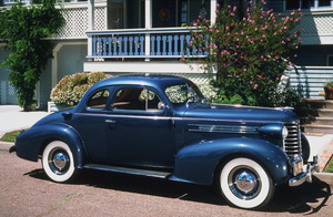 Car Category1937 Oldsmobile Series F-37 Business CoupeOwner Royce L. Dunn © 1989 Glenn EmbreeMPTV - Image 3846_0434