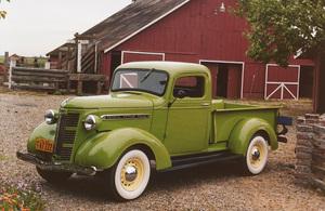 Car Category1938 GMC T-14 Standard 1/2 Ton PickupOwner Lawrence & Marilyn Yunker © 1989 Glenn EmbreeMPTV - Image 3846_0451