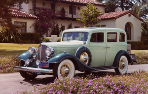 Car Category1933 Buick 33-57 Four-Door 5 Passenger SedanOwner E.M. Faggart © 1986 Glenn EmbreeMPTV - Image 3846_0452
