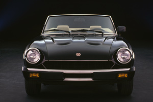 Car Category1983 Fiat 124 Spider © 1983 Ron Avery - Image 3846_0502