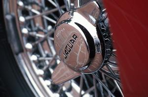 Car Category1962 Jaguar E-Type 3.82004 © 2004 Ron Avery - Image 3846_1183