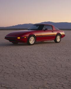 Cars1983 Mazda RX-7 GLSE (El Mirage Dry Lake bed) © 2009 Ron Avery - Image 3846_1785