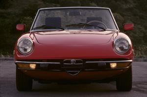 Cars1974 Alfa Romeo Spider 2000© 1988 Ron Avery - Image 3846_2160