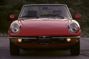 Cars1974 Alfa Romeo Spider 2000© 1988 Ron Avery - Image 3846_2160