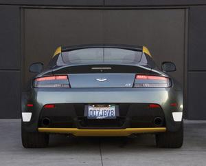 Cars2016 Aston Martin Vantage GTRon