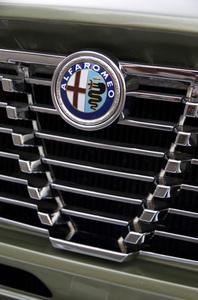 Cars 1974 Alfa Romeo 2000 GTV© 2019 Ron Avery - Image 3846_2297