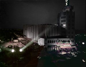 """Movie premiere """"Trapeze"""" at the Fox Wilshire in Los Angeles1956© 1978 Sid Avery - Image 3868_0007"""