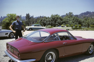 James Coburn with his 250 GT California and Lusso Ferrari at his Los Angeles home 1966 © 1978 David Sutton - Image 3893_0130