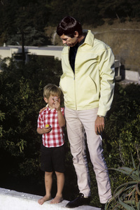 James Coburn and son James H. Coburn IV1966© 1978 David Sutton - Image 3893_0135