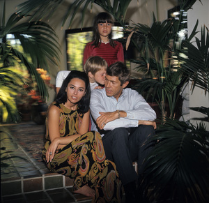 James Coburn, wife Beverly Kelly, son James H. Coburn IV, and daughter Lisa Coburn1966© 1978 David Sutton - Image 3893_0136