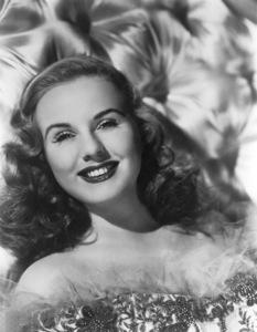 Deanna Durbin, c. 1945. - Image 3910_0001