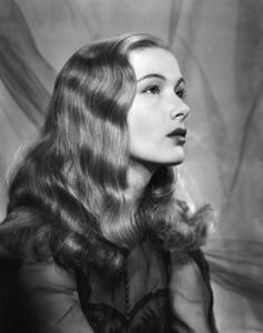Veronica LakeCirca 1940Photo by E.R. Richee**I.V. - Image 3912_0187