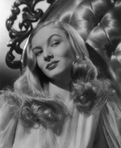 Veronica LakeCirca 1940Photo by E.R. Richee**I.V. - Image 3912_0192
