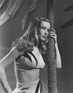 Veronica LakeCirca 1940Photo by E.R. Richee**I.V. - Image 3912_0206