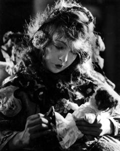 """""""Broken Blossoms"""" Lillian Gish1919 UA ** I.V. - Image 3931_0029"""