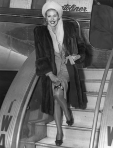 Marie McDonald arriving at LaGuardia Airport in New York CityNovember 1945 - Image 3947_0430