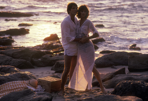 Couples - RomanticAt the BeachApril 1978 © 1978 Sid Avery - Image 3952_0087