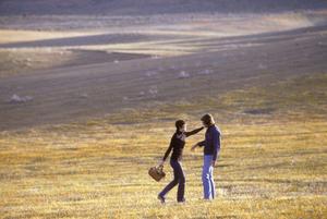 Couples - RomanticJohn Corbett, Angela CartwrightApril 1973 © 1978 Sid Avery - Image 3952_0247