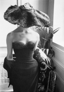"Dior fashion model Eugenie Pompon wearing the ""Clorinde"" dress (Autumn-Winter Haute Couture collection, H line)1954© 2013 Mark Shaw - Image 3956_0855"